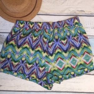 Pants - PLUS SIZE High Waisted Colorful Chevron Shorts